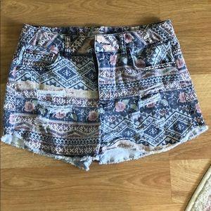 Love fire stretch jean shorts